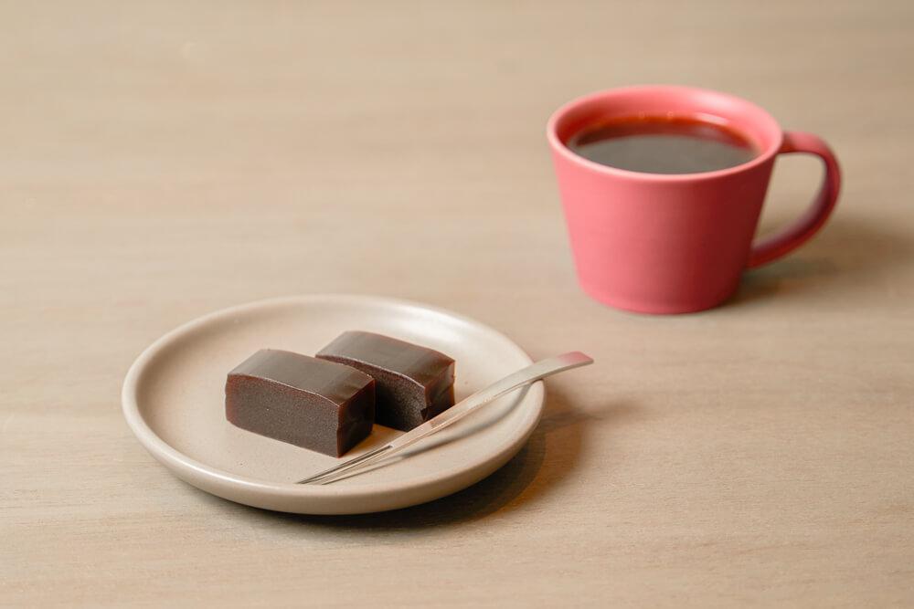 コーヒー羊羹とホットコーヒー